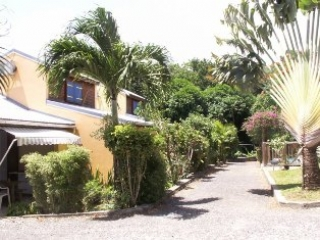 Bungalows - Ferienhäuser - Hotels - Appartements - Guadeloupe